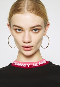 Tommy Jeans - BRANDED TEE - T-shirt con stampa - black - 3