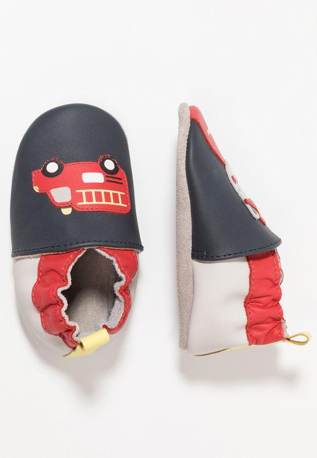 FIREMAN - Chaussons pour bébé - marine