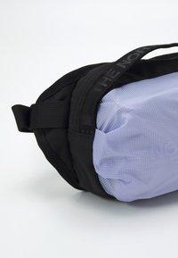 The North Face - BOZER HIP PACK UNISEX - Ledvinka - sweet lavender/black - 3