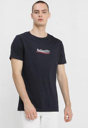 HUMBLE TEE - Print T-shirt - navy