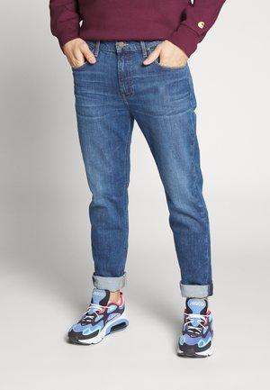 AUSTIN - Straight leg jeans - mid worn foam