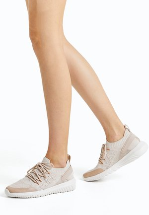 Neutral running shoes - light pink