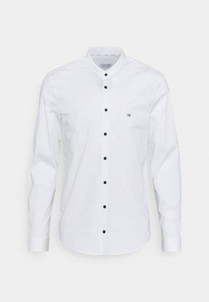 LOGO STRETCH SLIM - Kauluspaita - white