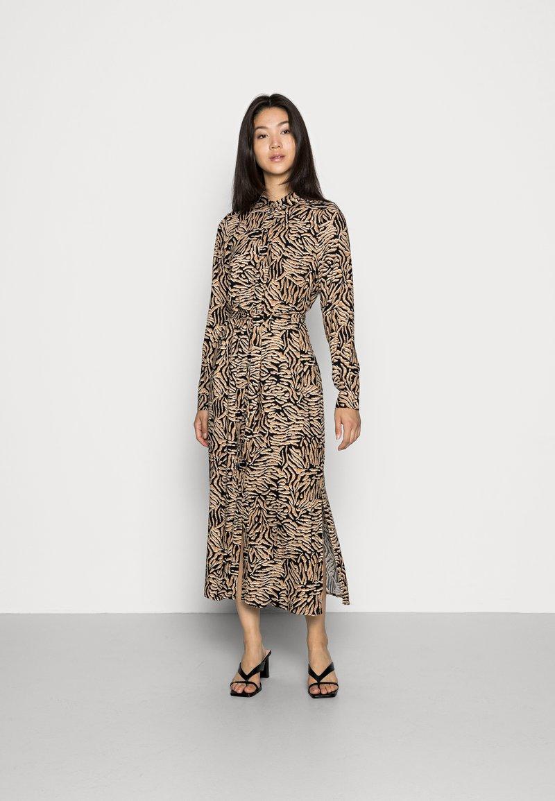 Vero Moda - VMUMA DRESS  - Vardagsklänning - black uma