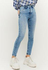 TALLY WEiJL - Jeans Skinny Fit - blU - 0