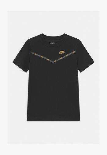 CHEVRON - Print T-shirt - black/metallic gold