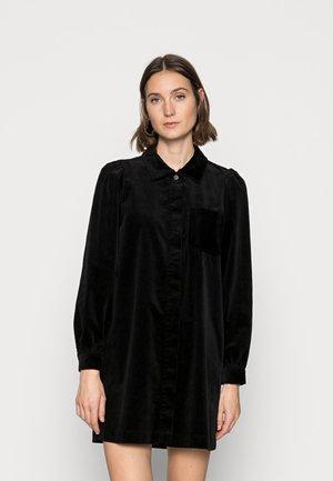 DRESS PATCH ON POCKET LONGSLEEVE - Robe chemise - black