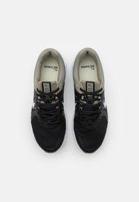 Nike Performance - RUN SWIFT 2 - Zapatillas de running neutras - light army/pure platinum/black - 3