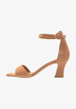 Sandaler - brandy beige