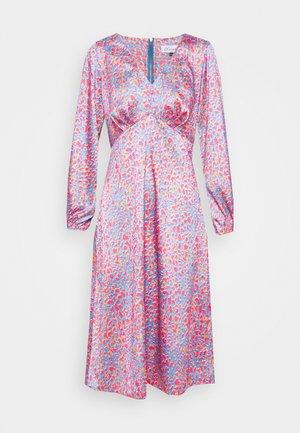V NECK PUFF SLEEVE DRESS - Vestido informal - pink
