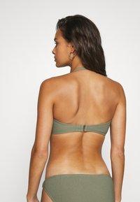 MICHAEL Michael Kors - DECADENT TEXTURE BANDEAU - Bikini top - army green - 3