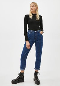 Bershka - Relaxed fit jeans - blue - 1