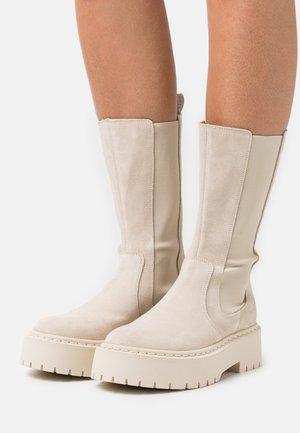 VIVIANNE - Platform boots - beige