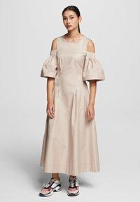 KARL LAGERFELD - Maxi dress - sandstone - 0