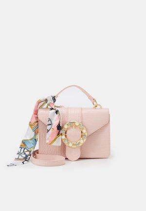 PCABBY CROSS BODY CROC - Handbag - misty rose