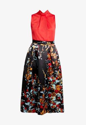 CLOSET FULL DRESS - Ballkjole - red