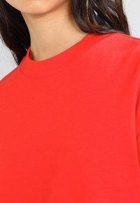 Weekday - HUGE CROPPED - Sweatshirt - red - 3