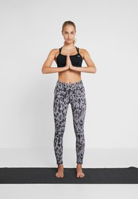 Curare Yogawear - LEGGINGS HIGH WAIST - Legginsy - grey - 1