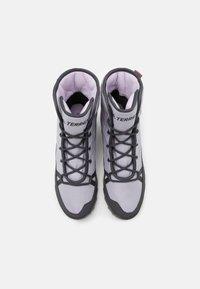 adidas Performance - TERREX CHOLEAH PADDED - Hiking shoes - grey/dough solid grey/purple tint - 3