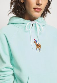 Polo Ralph Lauren - SEASONAL - Bluza z kapturem - parakeet - 4