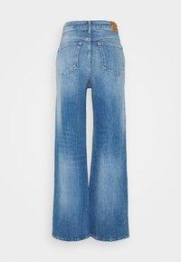 Pepe Jeans - LEXA SKY HIGH - Vaqueros rectos - denim - 1