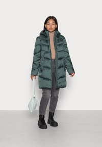 VILA PETITE - VIADAYA JACKET - Winter coat - darkest spruce - 1