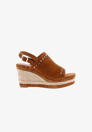 Alpargatas - light brown