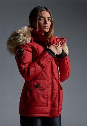 MOUNTAIN BIG BADGE - Down jacket - red