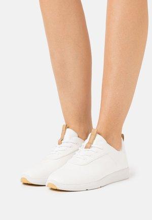 CABRILLO VEGAN - Zapatillas - white