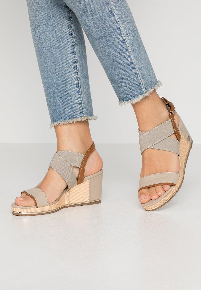 Tommy Hilfiger - ESTELLA  - Platform sandals - stone