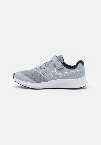 STAR RUNNER 2 UNISEX - Neutral running shoes - wolf grey/white/black/volt