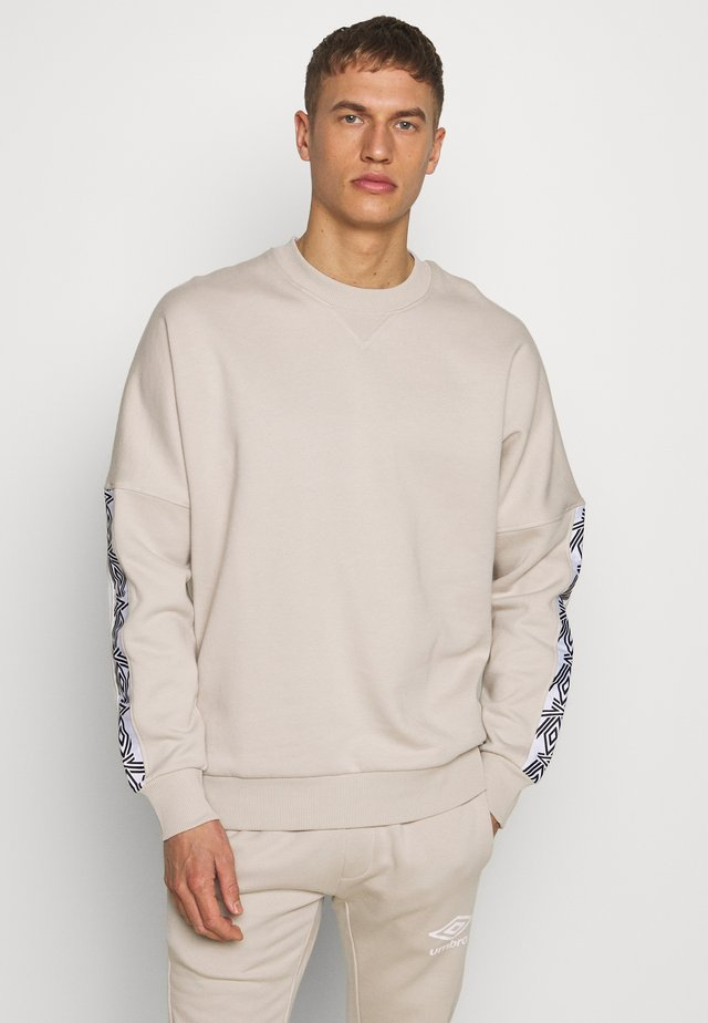 TAPED DROP SHOULDER  - Sweater - silver cloud
