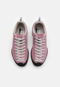 Scarpa - MOJITO UNISEX - Hiking shoes - cipria - 3