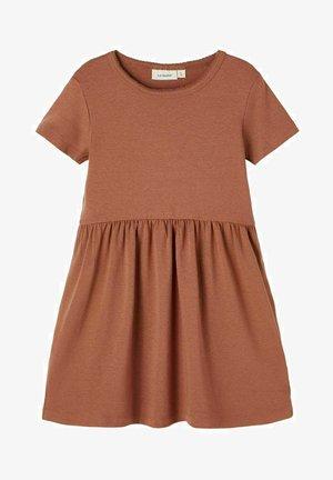 KURZE ÄRMEL - Jersey dress - carob brown