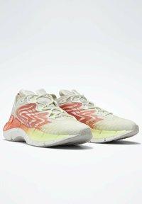 Reebok Classic - ZIG KINETICA  - Sneakersy niskie - grey - 1