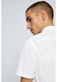 BOSS - MAGNETON - Shirt - weiß - 4