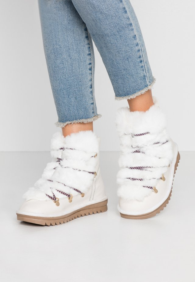 LAURENCE - Lace-up ankle boots - blanc