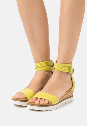 TAPASITA - Platform sandals - lime