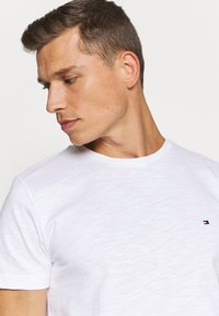 Tommy Hilfiger - SLUB TEE - T-shirt basic - white - 3