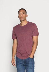 Only & Sons - ONSMATT LIFE LONGY TEE 7 PACK - T-shirt basic - white/cabernet melange/forest night melange - 4