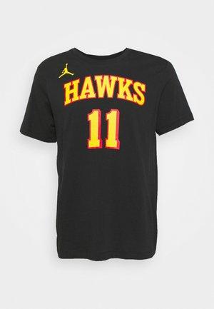 NBA TRAE YOUNG ATLANTA HAWKS STATEMENT NAME & NUMBER TEE - Club wear - black