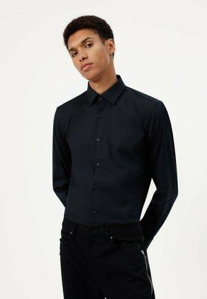 KENNO - Formal shirt - black