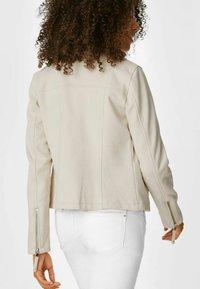 C&A - Faux leather jacket - creme - 1