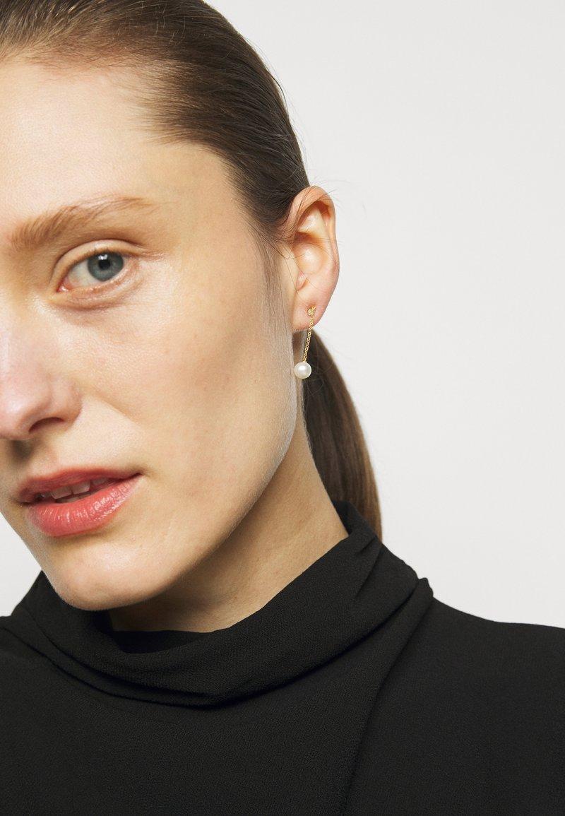 Julie Sandlau - CHAIN EARSTUDS - Boucles d'oreilles - white