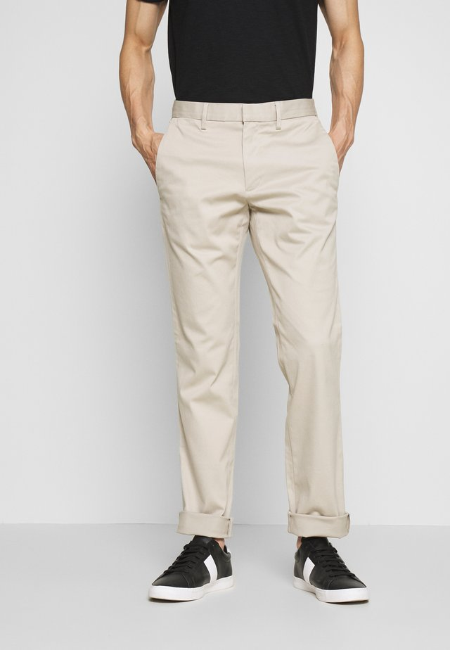FULTON  - Pantalones - sandbar beige