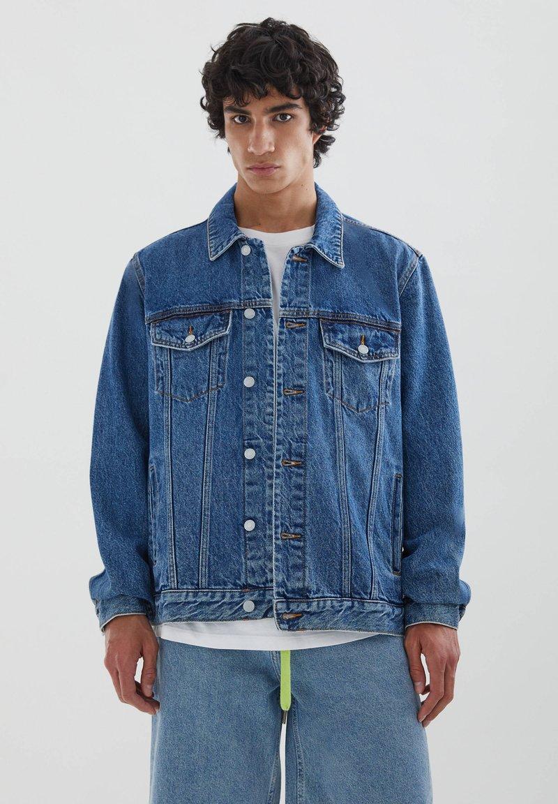 PULL&BEAR - Džínová bunda - blue denim