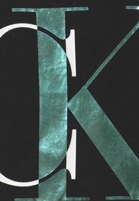 Calvin Klein Jeans - EXPLODED MONOGRAM - T-shirt con stampa - black - 2