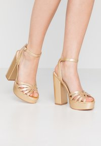 Vero Moda - VMTHEA - High heeled sandals - pale gold - 0