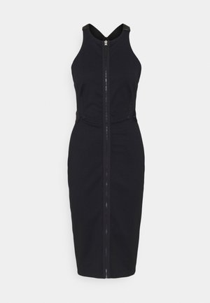 SLIM FIT DUNGAREE DRESS - Shift dress - rinsed