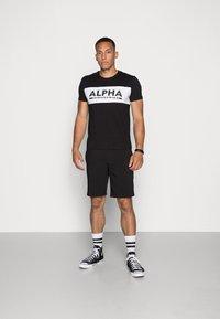 Alpha Industries - Printtipaita - black - 1